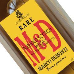 Whisky con etichetta personalizzata iniziali