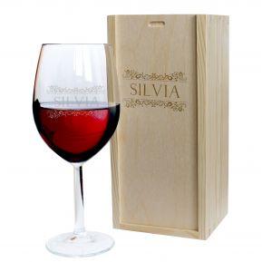 Calice da vino con nome inciso