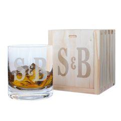 Bicchiere da whisky con due iniziali incise