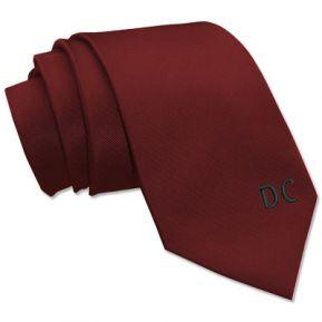 Cravatta con iniziali ricamate