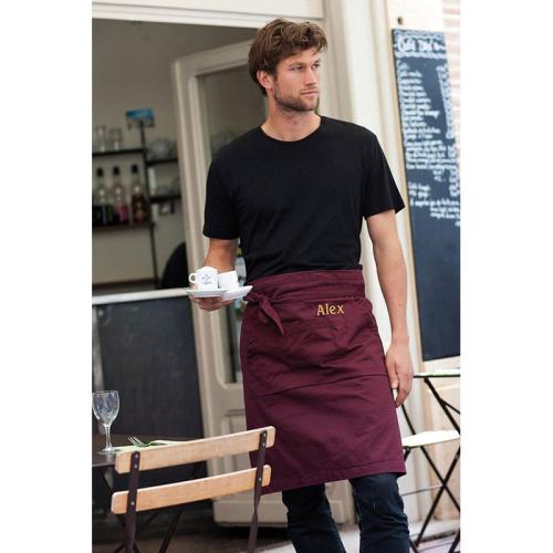 Cameriere con grembiule