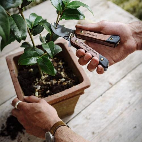 Forbici multifunzione da giardino Gentlemen's Hardware uso