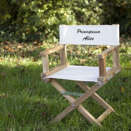 Sedia da regista bambini in giardino