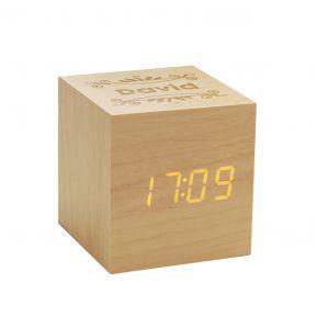 Sveglia cubo in legno personalizzata con nome