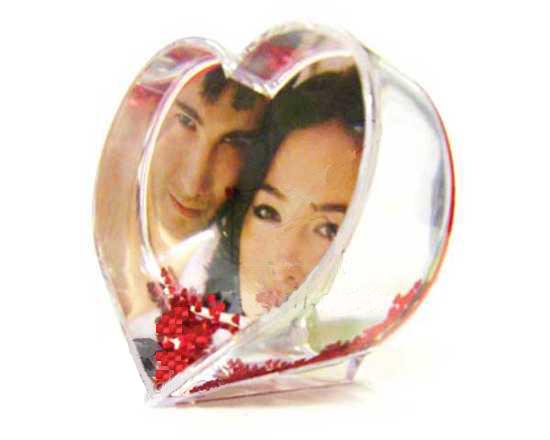 Idee Fotografiche Anniversario : Palla di neve cuore con foto idea regalo originale angolodelregalo